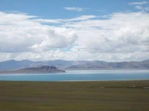 соленое озеро Таши Намтсо