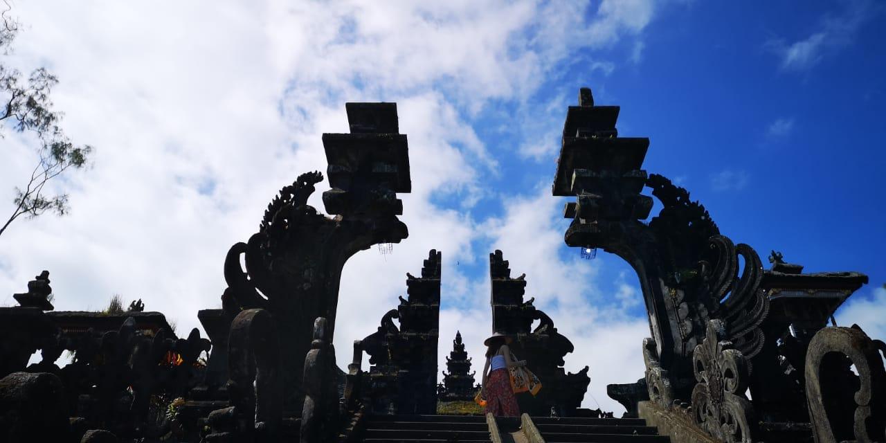 hram-besakih-1