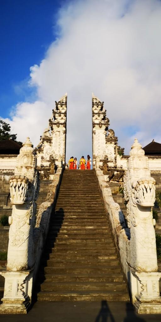 hram-lempuyang-1