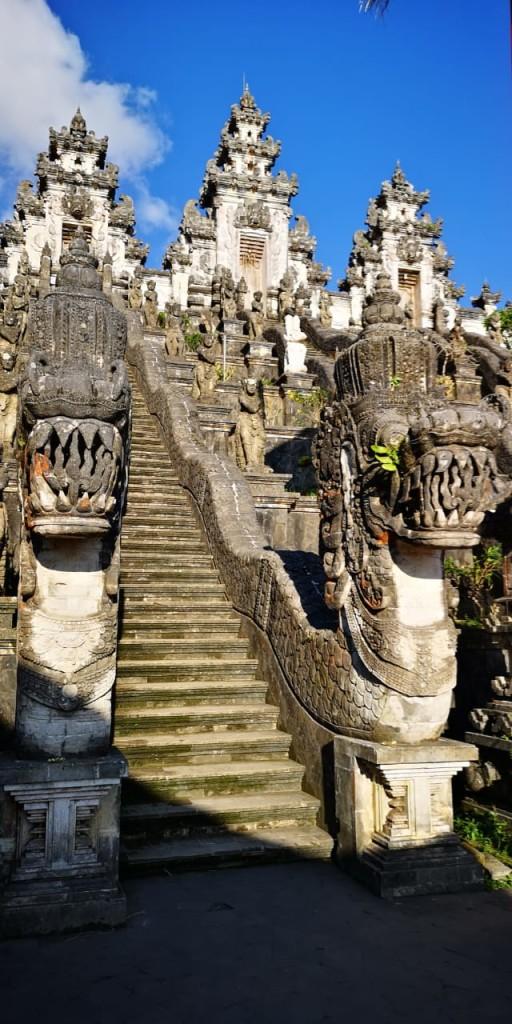 hram-lempuyang-2